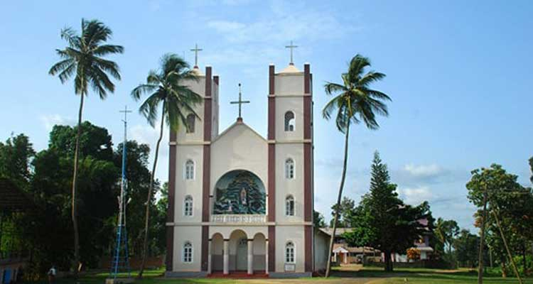 pallikkunnu-church-wayanad
